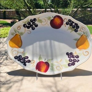 Vintage Gibson Everyday Fruit Platter and Stand